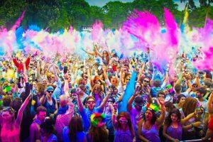 Всех с индийским праздником весны и красок!