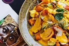 Вива ла чика - салат с цыплёнком фирменной заправкой.