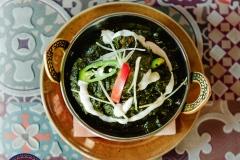 Сааг гош - ягнёнок карри с шпинатом и специями.