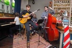 8 марта — Jazz Story Quartet
